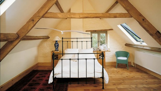 loft-conversion-period-home-exposed-beams-1002x7281-1002x728