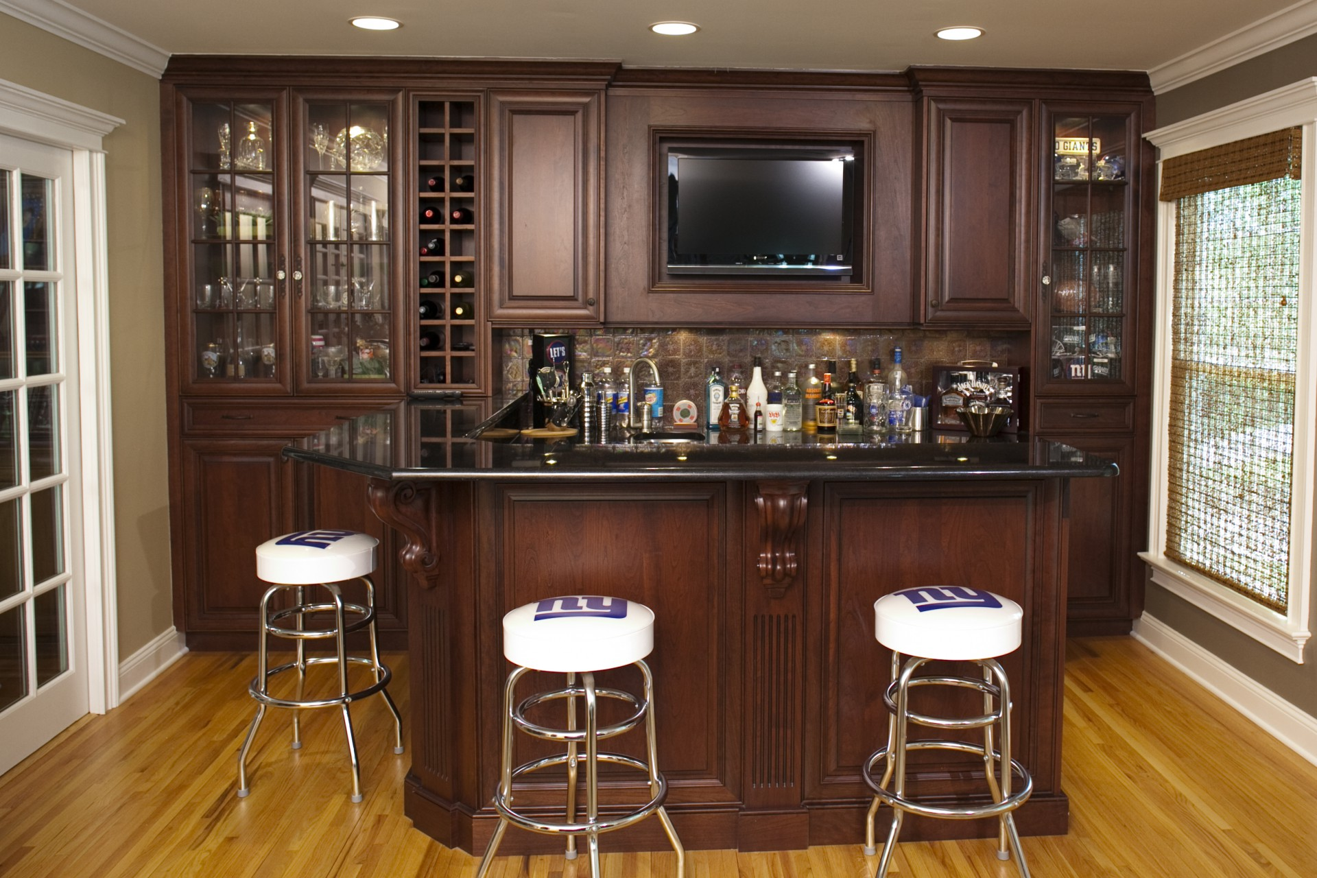 At home wet bar real estate photos marketing feature Wet bar images