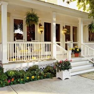 f621e409a6dfcdbb981b14b5e6049001--southern-living-southern-porches